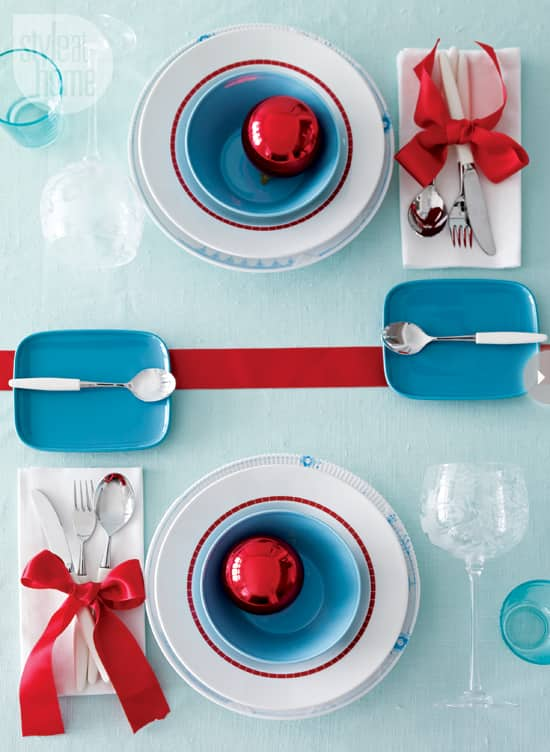 holiday-colour-palette-red-blue.jpg