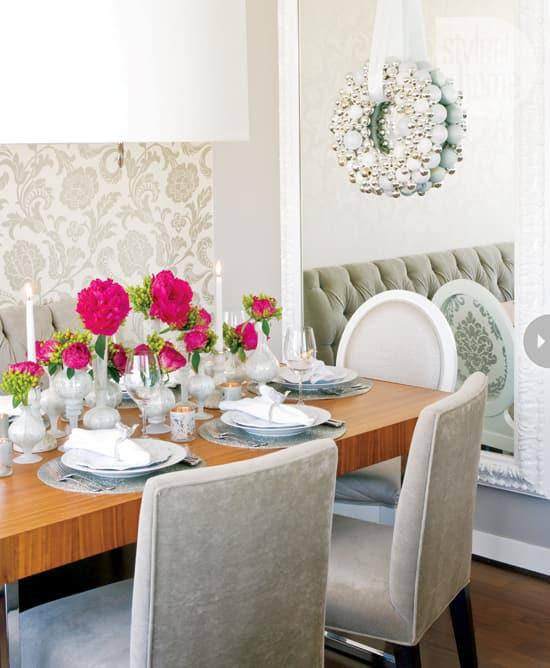 glitz-glamxmas-diningroom2.jpg