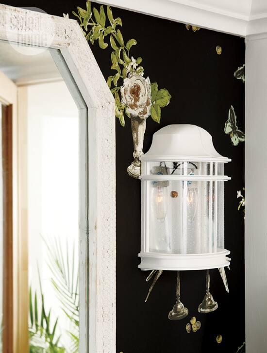 decorating-fancy-bath-light.jpg