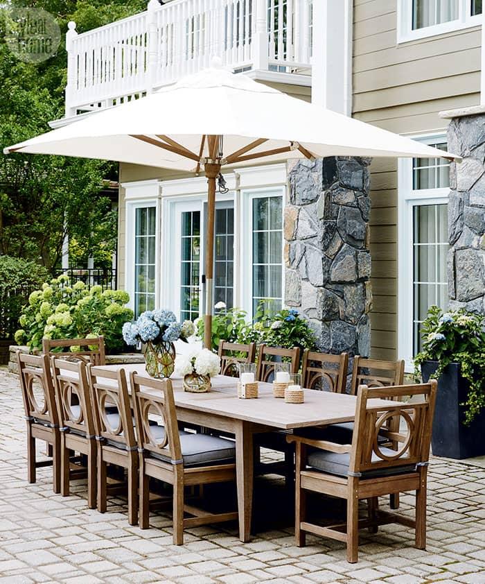 Take a tour of this gorgeous family cottage on Lake Simcoe