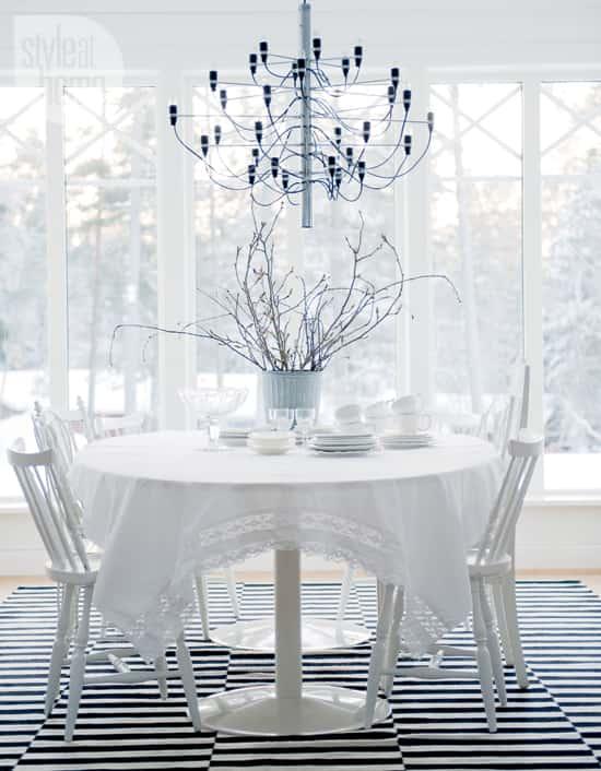 interior-fresh-white-table.jpg