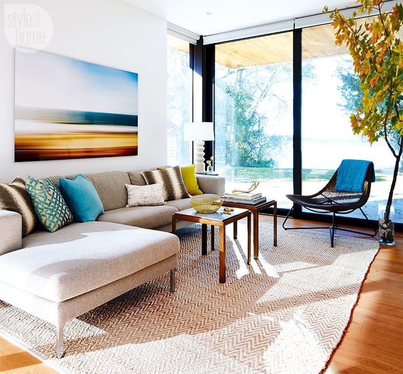 Cozy modern cedar-clad cabin
