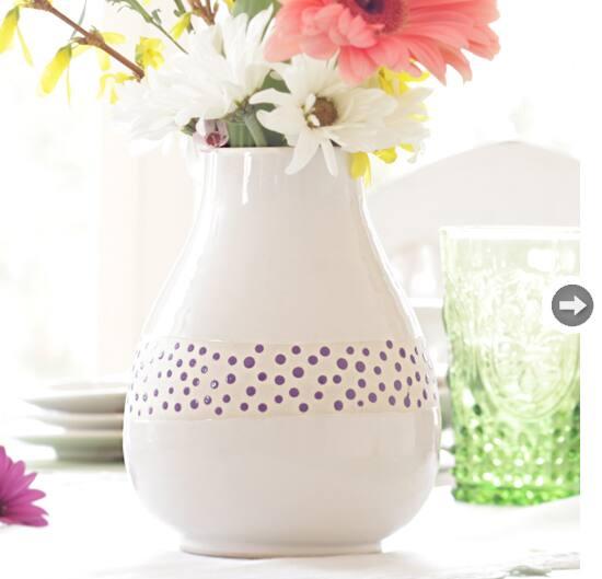 gifts-100-ostrich-vase.jpg
