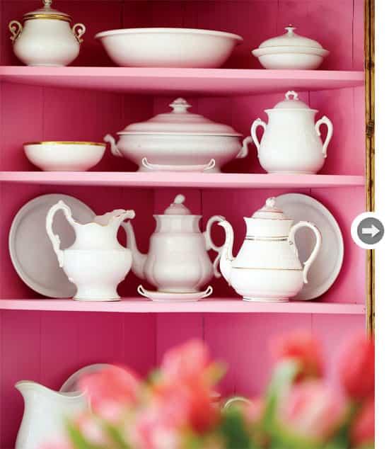 interiors-vintage-charm-shelves.jpg