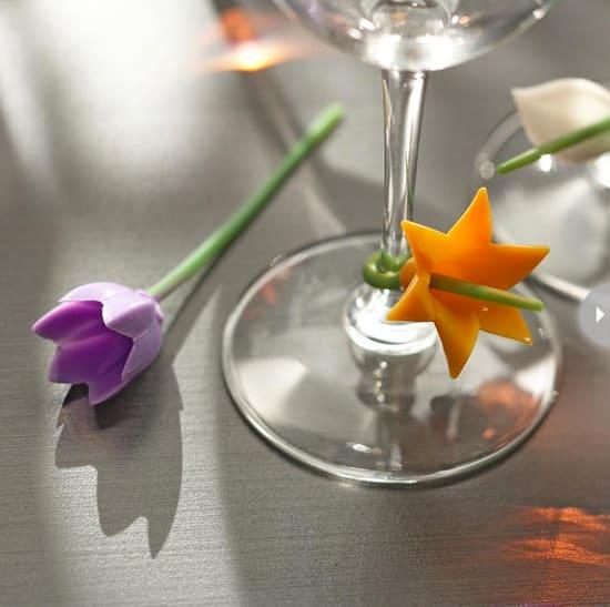 gifts-stocking-stuffer-glass-cha.jpg