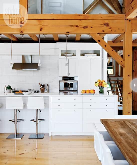 quaint-farmhouse-kitchen.jpg