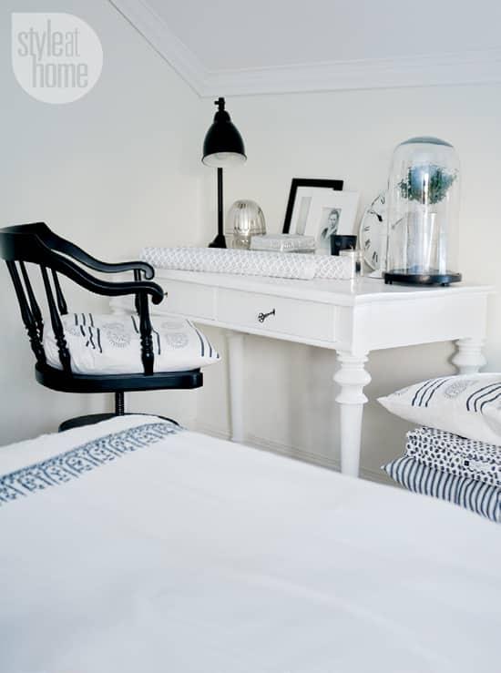 interior-fresh-white-sidedesk.jpg