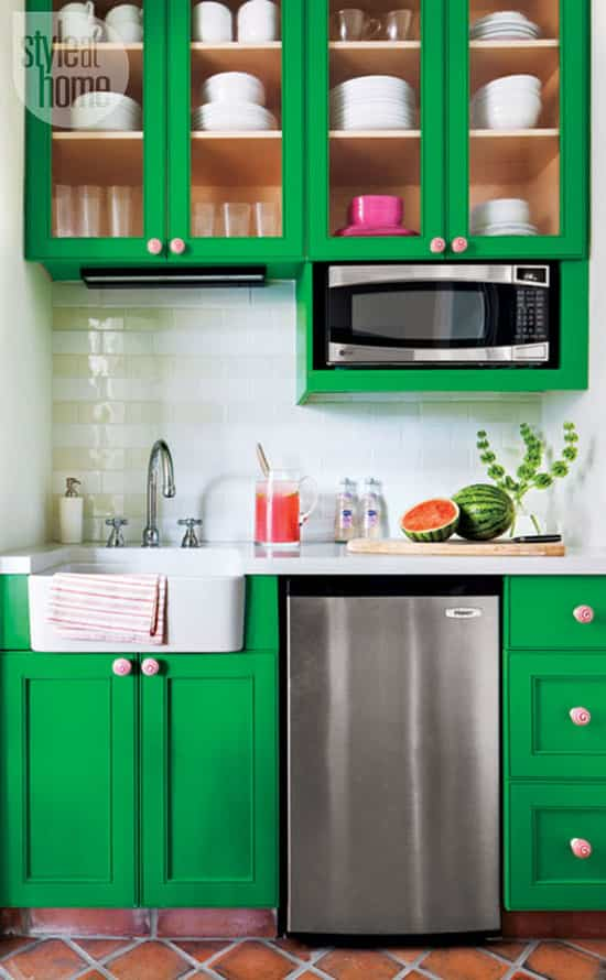 preppy-tropical-guesthouse-kitch.jpg
