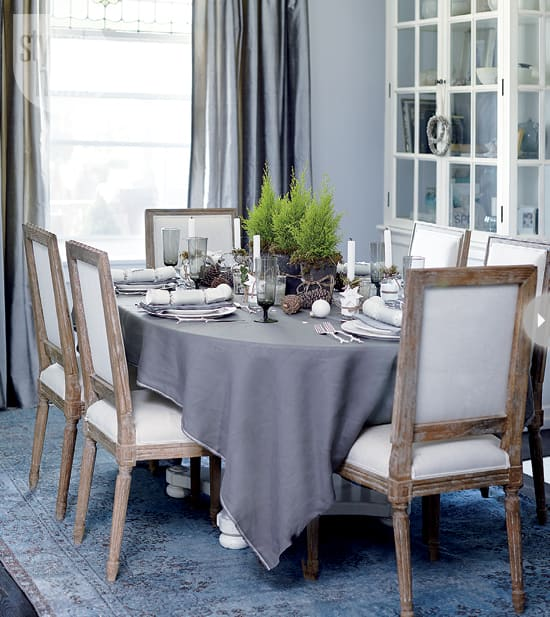 interior-muted-xmas-dining.jpg