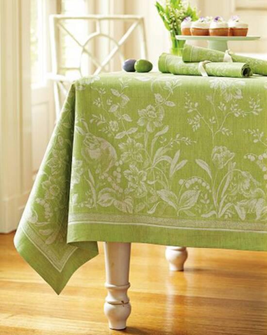 easter-decor-tablecloth-550.jpg
