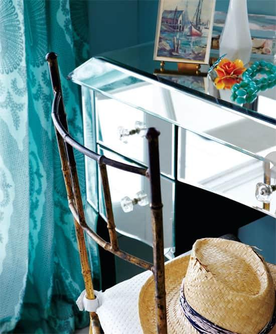 interior-beachhouse-chair.jpg