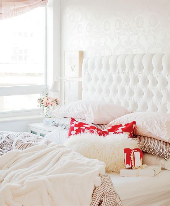 romanticize-bedroom-550.jpg