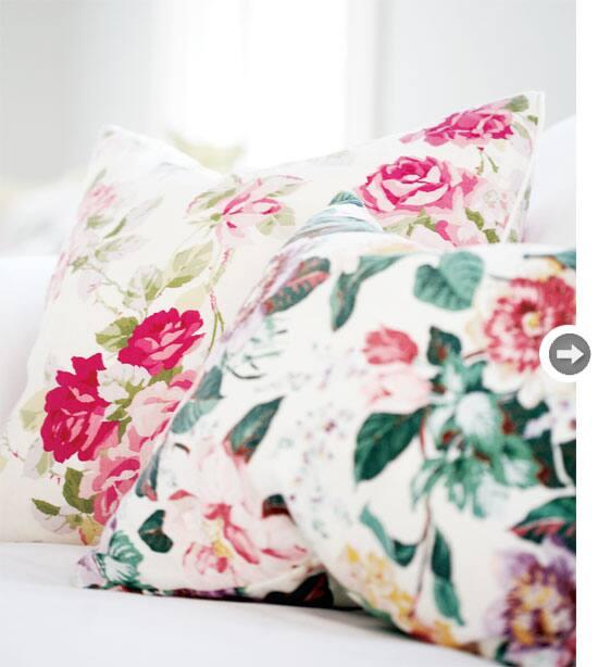 interiors-vintage-charm-pillows.jpg