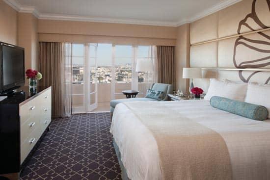 four-seasons-bedroom.jpg
