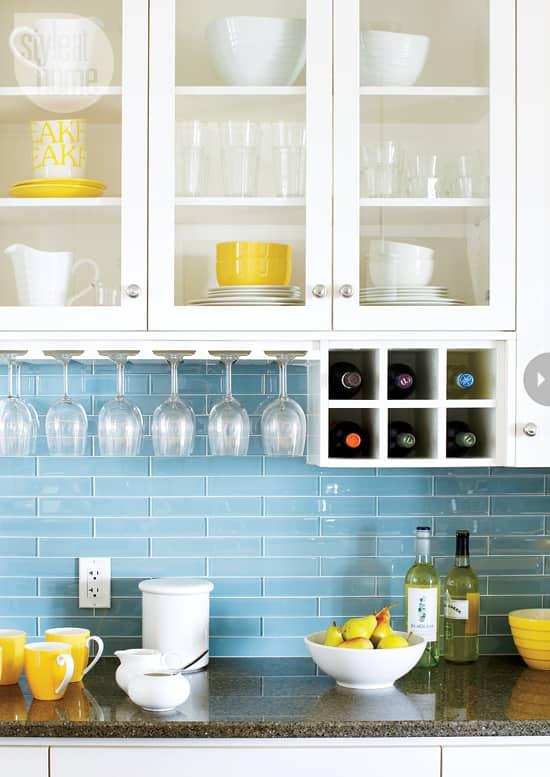 15-kitchens-thatwork-glassrack.jpg