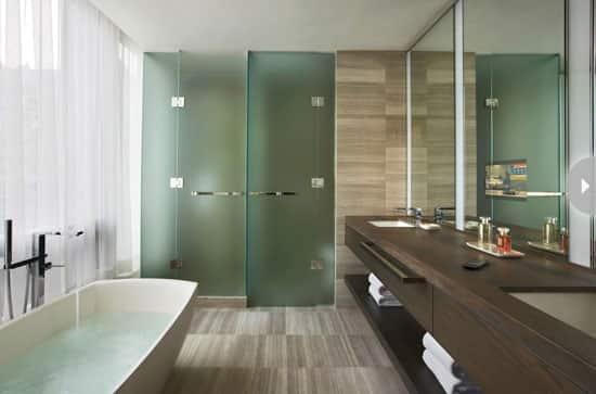 Toronto-four-seasons-bathroon.jpg