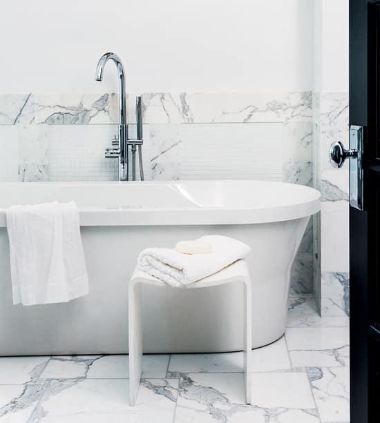 1-clean-bathtub.jpg