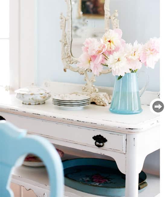 interiors-vintage-charm-buffet.jpg