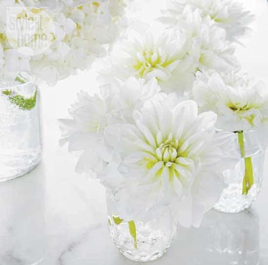 decorating-frankies-diner-flower.jpg