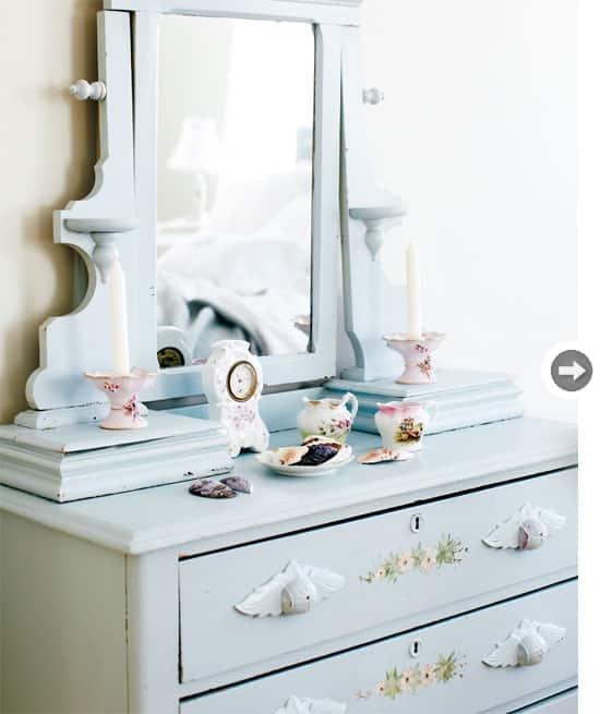 interiors-vintage-charm-dresser.jpg