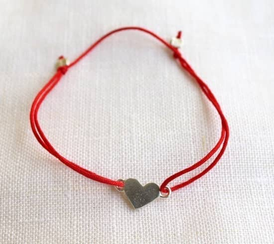valentine-gifts-bracelet.jpg