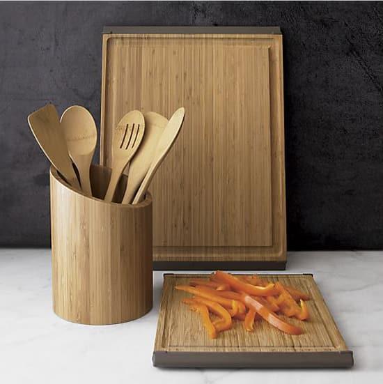 kitchen-tools-cuttingboard-550.jpg