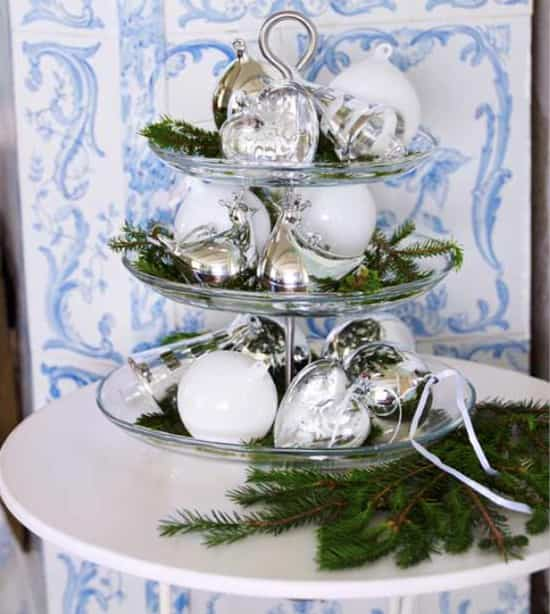4PlateWithOrnaments-550.jpg