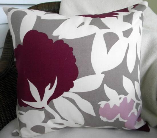 colour-plum-pillow.jpg