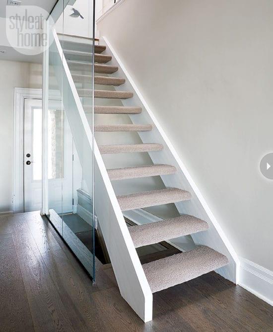 dressing-staircase-singleopen.jpg