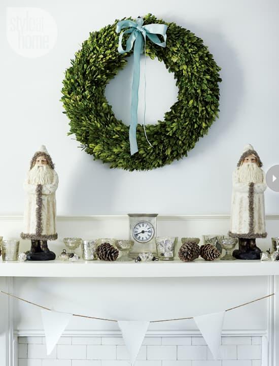 interior-muted-xmas-wreath.jpg