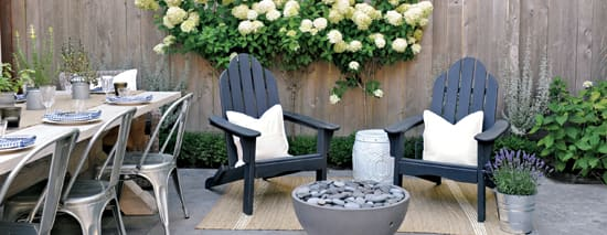 outdoor-living-guide-party-setup.jpg