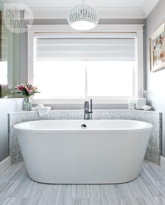 glamorous-bathroom-550.jpg