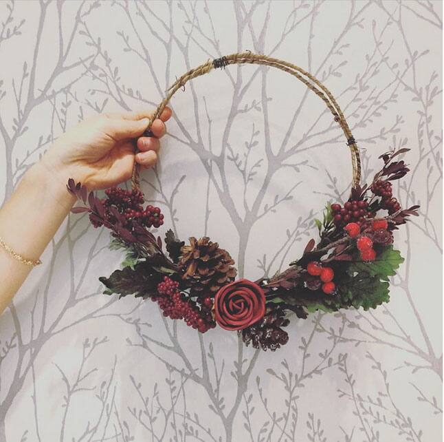 whimsical-holiday-wreath