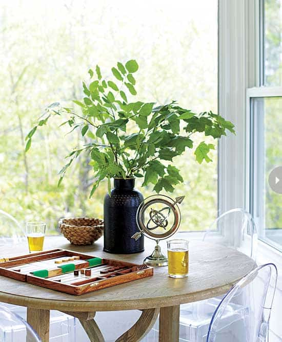 homes-lakeside-retreat-table.jpg