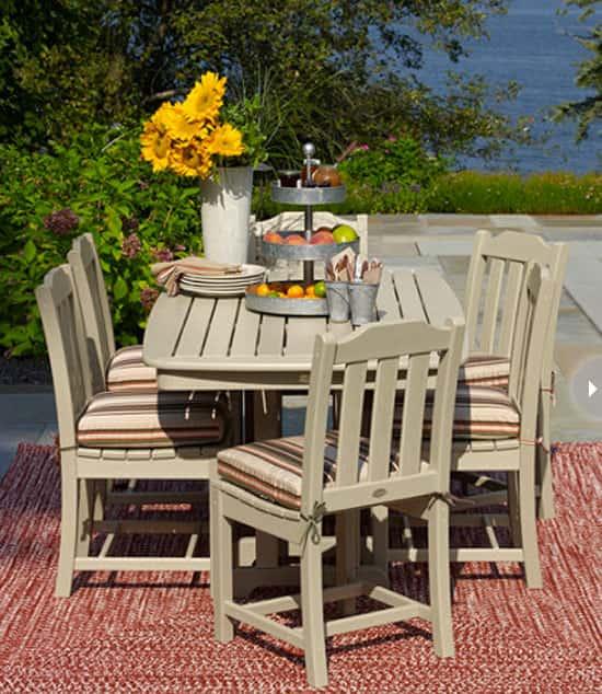 outdoor-entertaining-table.jpg