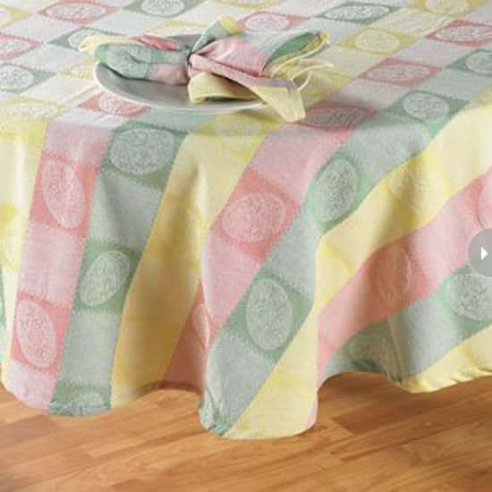 easter-decor-tablecloth.jpg