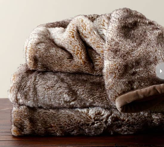 throw-blankets-faux-fur.jpg