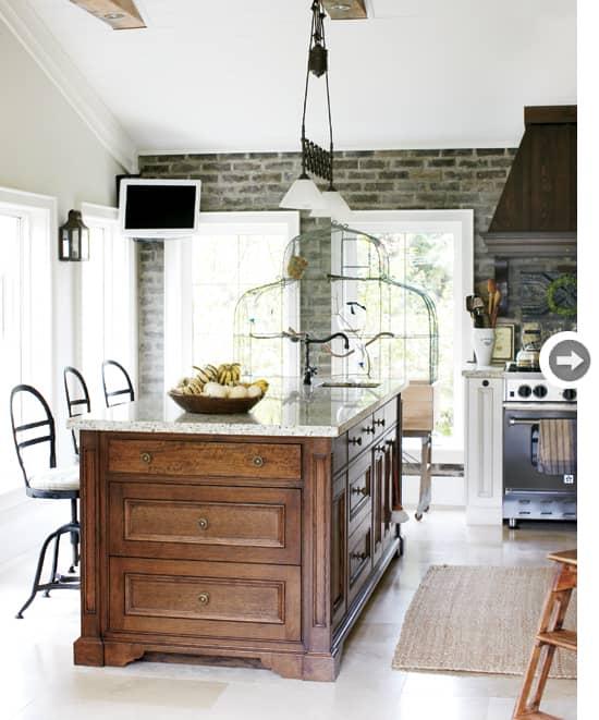 2011-kitchen-antique-chic.jpg