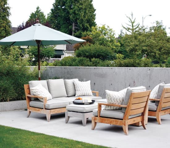 outdoor-living-space-sitting-are.jpg