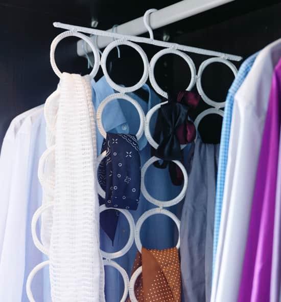 closet-storage-hanger.jpg