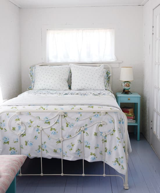 comfy-cottage-bedroom.jpg