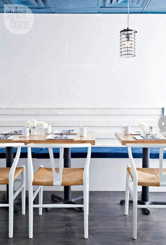 decorating-frankies-diner-seatin.jpg