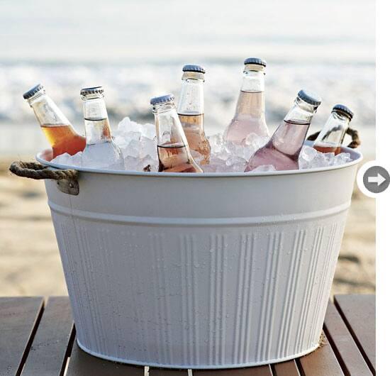 outdoor-decor-bucket.jpg