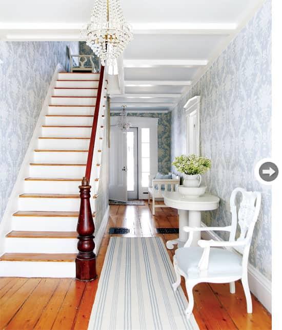 interiors-vintage-charm-entryway.jpg