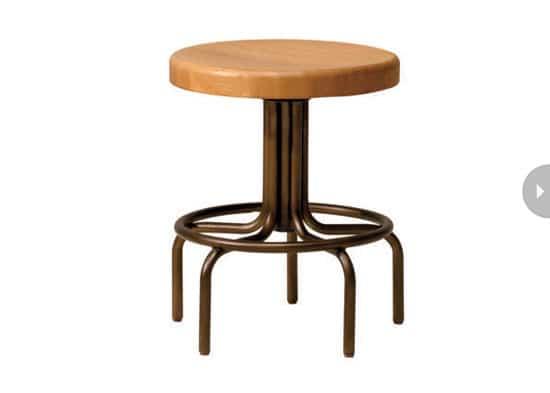 cottage-kitchen-design-stool.jpg