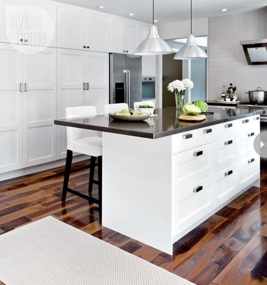 15-kitchens-thatwork-pantryspace.jpg