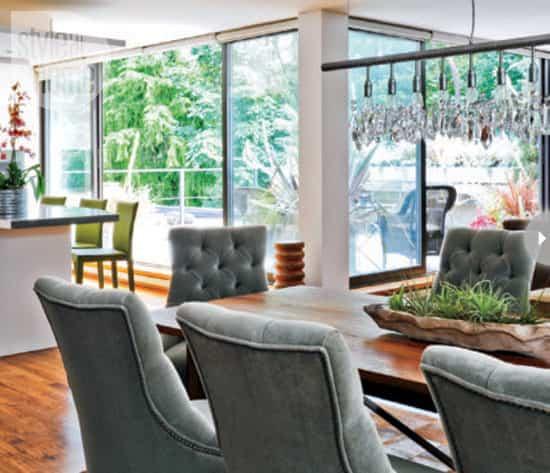 plant-decor-indoors-glass-walls.jpg