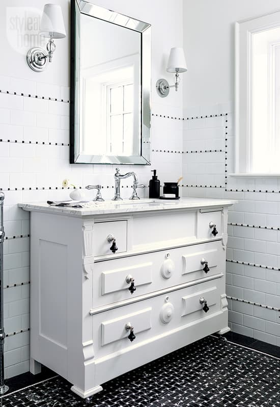white-on-black-sink2.jpg