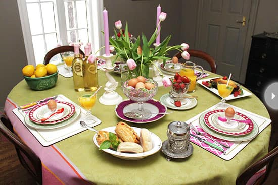 easter-blogger-brunch-table.jpg