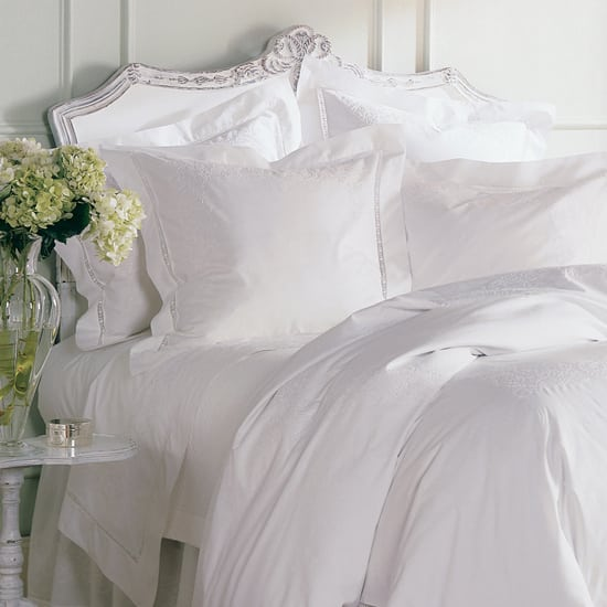 Au-Lit-white-bed-550.jpg
